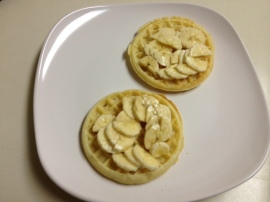 waffles with bananas